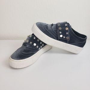 Shellys London grey platform studded sneakers sz 6